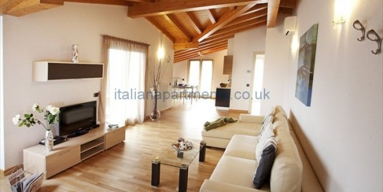 Residence Griante Apartment 8
