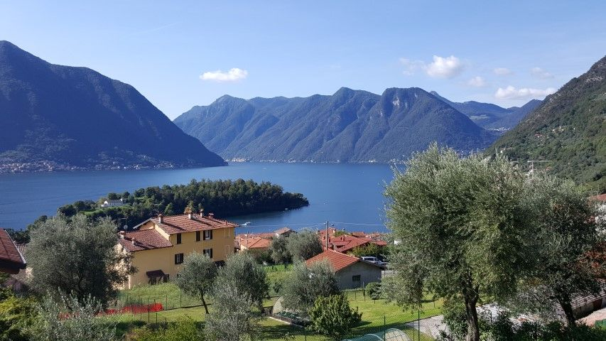 "Ossuccio Grande ""D"" two floors with garden and private pool sleeping up to 8 guest"